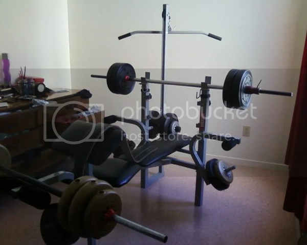 Weider 137 Pro Weight Bench And 200 Lbs Of Weights