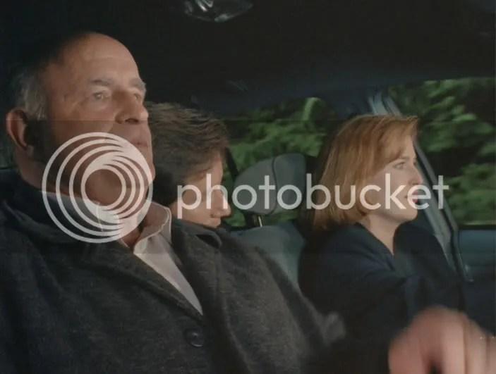 La pregunta no es por qué la asfixia autoerótica, sino porque Mulder voltea a ver a Scully inmediatamente y ella ya tenia esta cara de pena ajena.