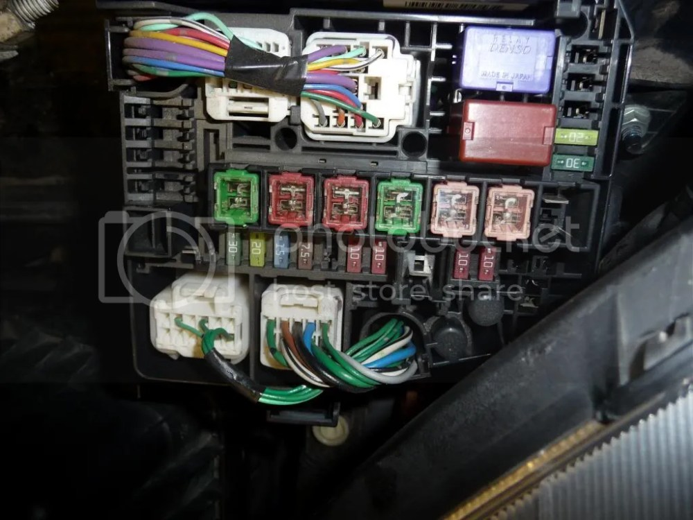 medium resolution of ok here is a pic of my fuse box from google it seems most dont have the large 40a main2 fuse but do have my missing 7 5a and 10a fuse