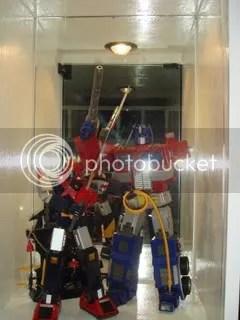 robot diecast (voltes v and optimus prime)