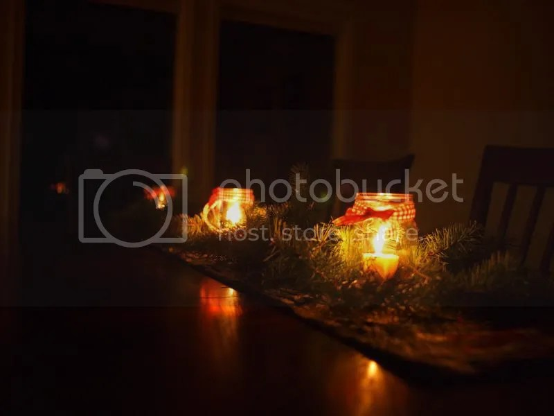 photo holidaytablenight_zpsd44b2466.jpg