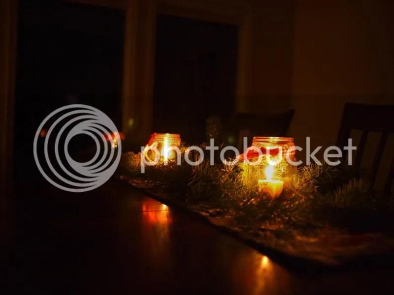 photo holidaytablenight_zpsd44b2466.jpg