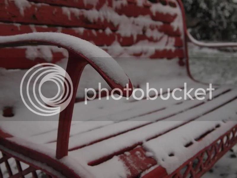 photo redbenchwithsnow_zps27190b5a.jpg