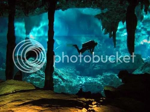 Foto Sungai Dalam Laut 1