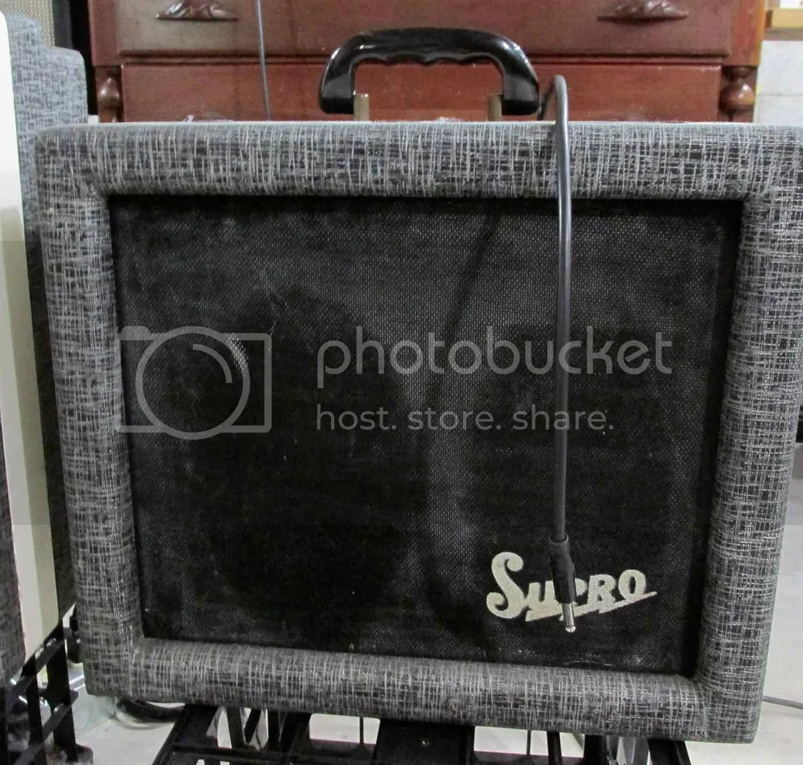 hight resolution of finally what is probably one of the rarest of airline branded amps this is a 62 8500s 1959 and is the exact same of one version of the supro 1690t