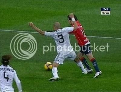 Pepe begår straffe?