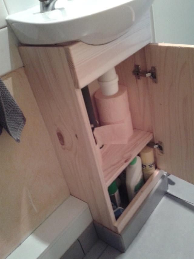 comment cacher la tuyauterie des wc