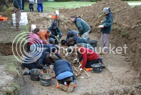 photo burial site of Dirty War victims_zpsg2hxk3m1.jpg