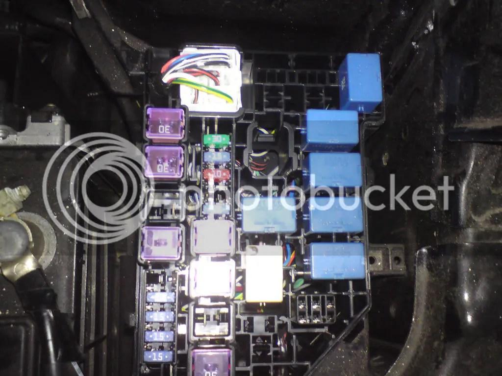 hight resolution of opel vivaro fuse box location