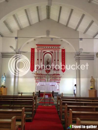 Yim Tin Tsai Chapel inside