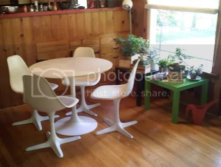 Burke Reproduction Saarinen Tulip Table and Chairs