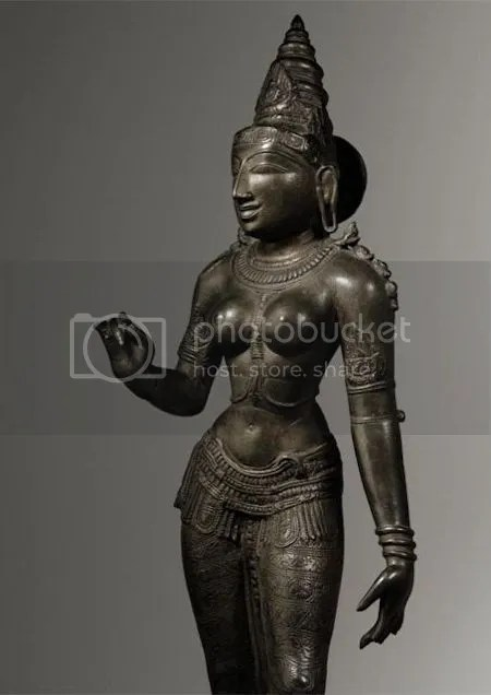 photo BronzeFigureOfParvatiSouthIndiaCholaPeriodCirca1100.jpg