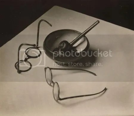 photo AndreKerteszMondrianrsquosGlassesAndPipe1926GelatinSilverPrint.jpg