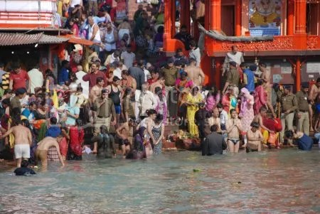 photo DSC_9169HaridwarHolyDip.jpg