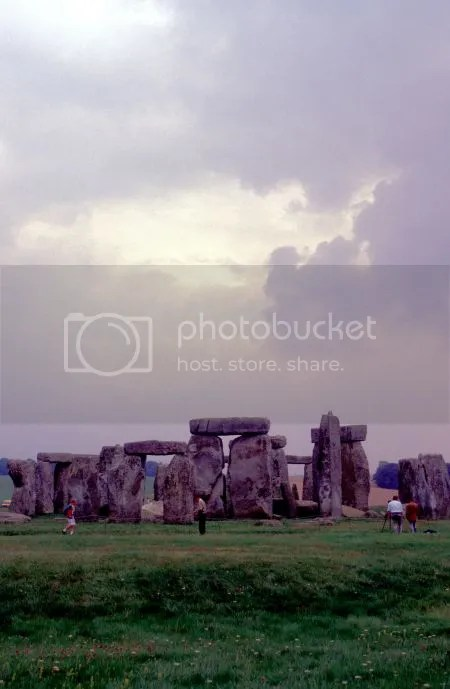 photo 060Stonehenge.jpg
