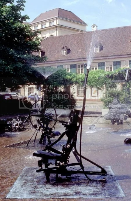 photo 111TinguelyFountainBasel.jpg