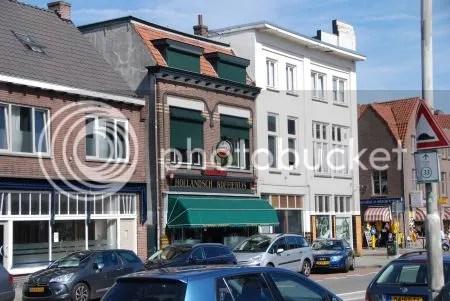 photo DSC_0411HollandschKoffiehuisEnMoekeMolsHaagwegBreda.jpg