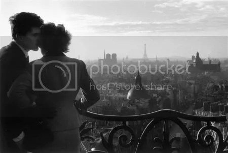 photo WillyRonisLesAmoureuxDeLaBastille-Paris1957.jpg
