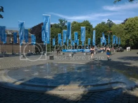 photo WP_20170615_003TweeFonteinenOpHetKasteelplein.jpg