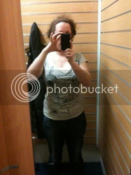 shoppen arnhem. leuk truitje bij de schoenenreus photo 20338_100401956661366_1737935_n.jpg