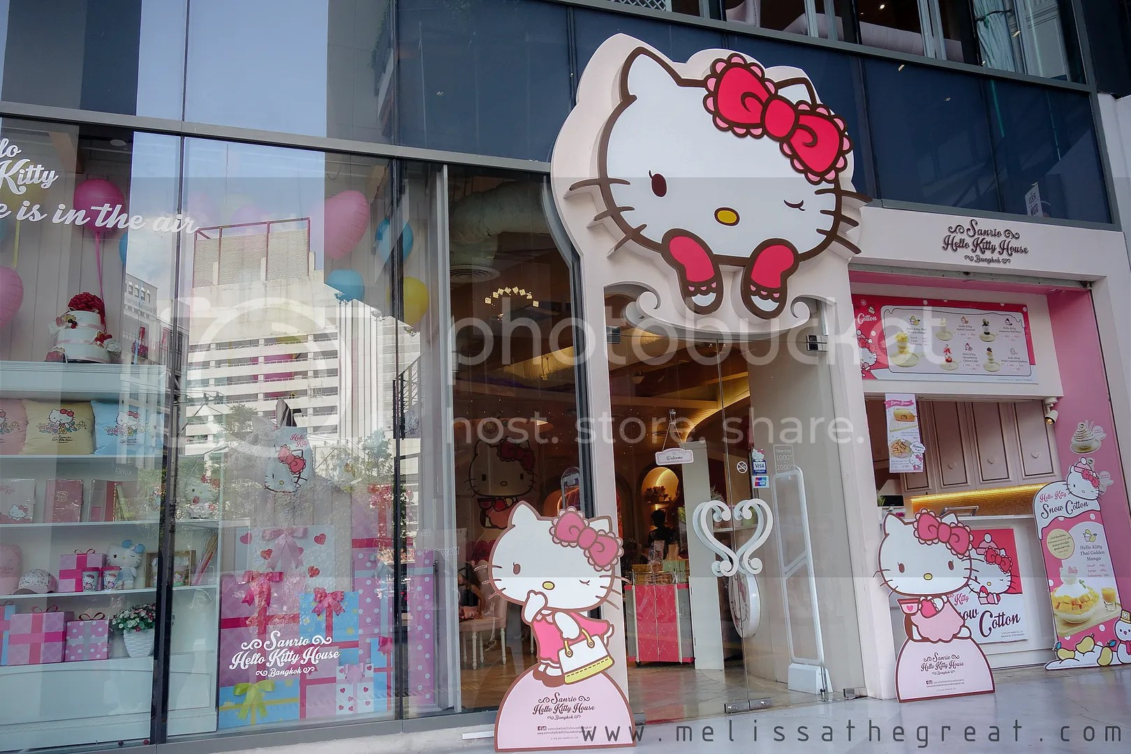 Hello Kitty House is opened at Siam Square One. It is a multi storey  building located along a busy road. Besides that, it is strategically  located near BTS ...
