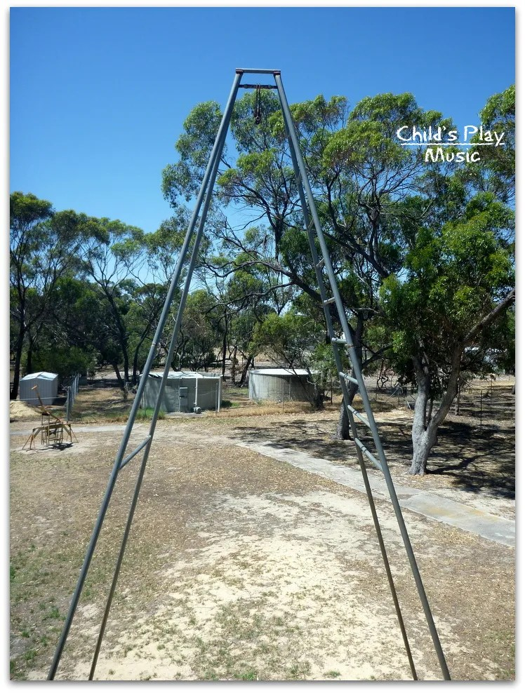 HUGE swing at Katanning All Ages Playground - out of action