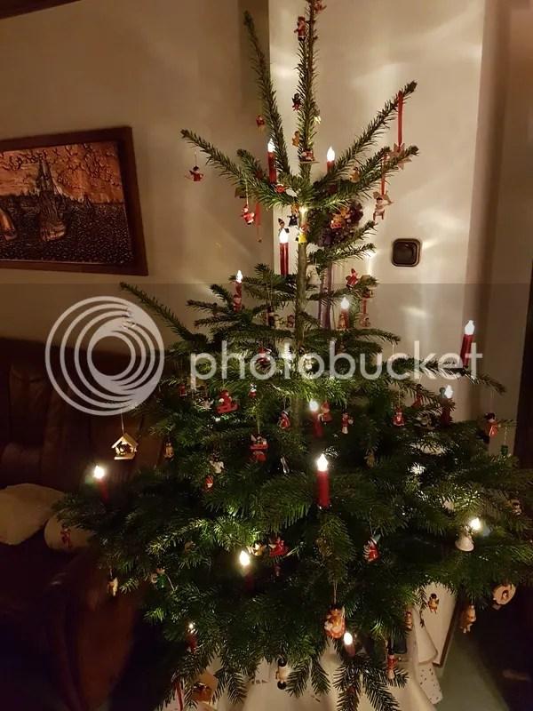 Familienweihnachtsbaum photo 20161224_174724_zps3dxknzz0.jpg