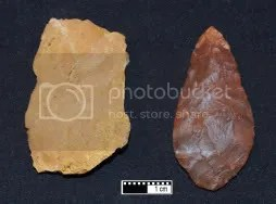 Unheated silcrete (left) can show dramatic changes in color and texture after heating and flaking (right).