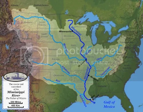 Map of the course, watershed, and major tributaries of the Mississippi River (via Wikipedia)