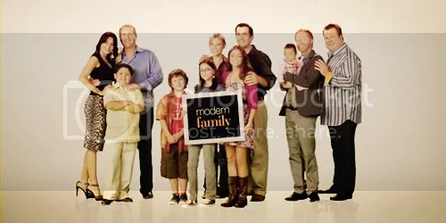 photo modernfamily.png