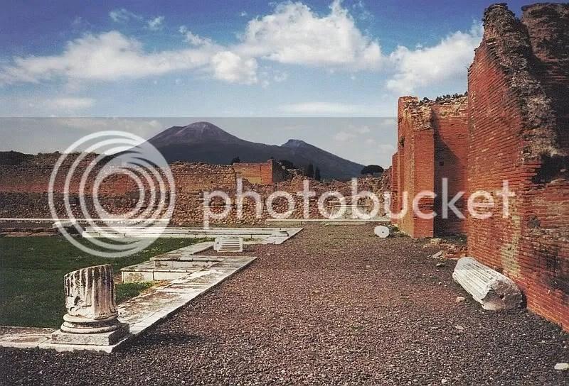 https://i0.wp.com/i624.photobucket.com/albums/tt327/deathnotekira77/800px-Vesuvius_from_Pompeii.jpg