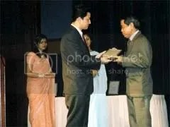Award Presentation by Jamling to Chew Yew Kai