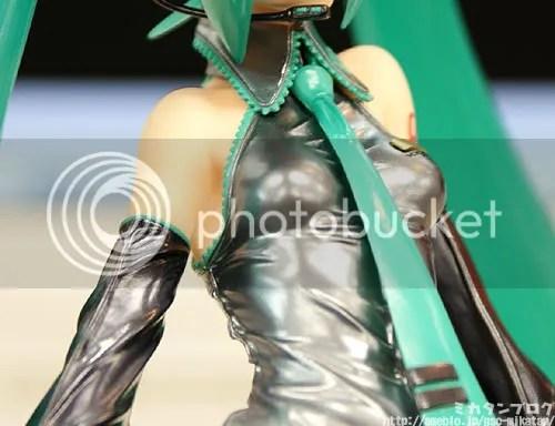 1/7 Scale Hatsune Miku Figure - 5