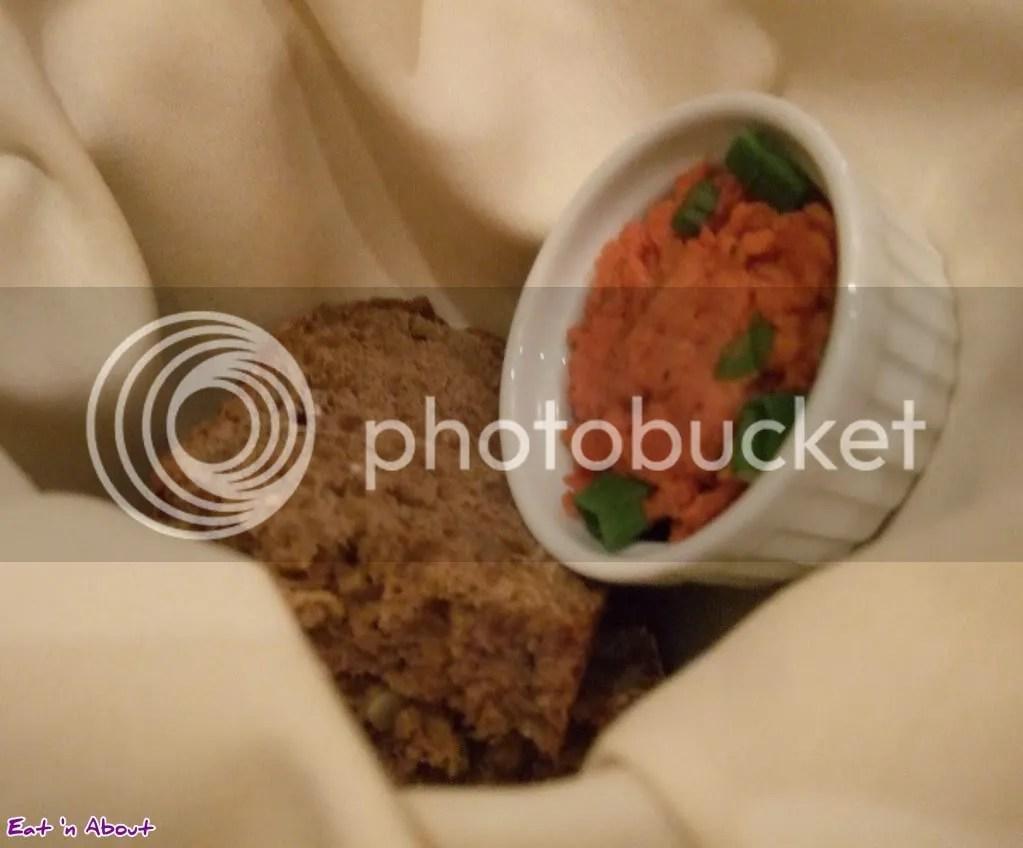 Locals Restaurant: Grains bread with chickpea spread