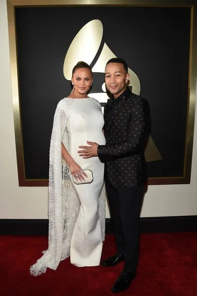 photo JohnLegend58thGRAMMYAwardsRedCarpet8uoP4rJ57FDl_1.jpg