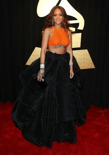 photo RihannaFIJIWater59thAnnualGRAMMYAwardsijWwRyqmfKNl.jpg