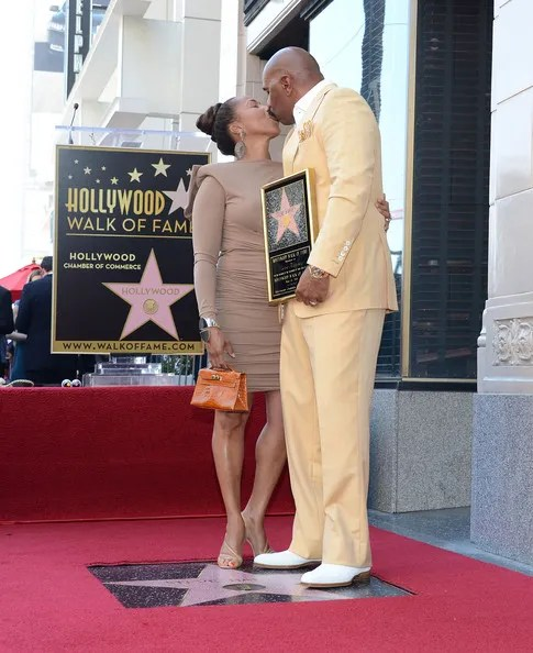 photo SteveHarveyHonoredHollywoodWalkFameqAaay22A3o3l.jpg