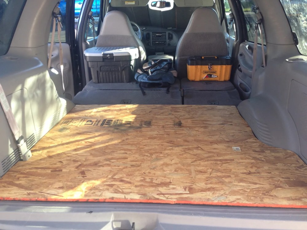 medium resolution of picked up matching carpet from the junkyard from an expedition without the 3rd row seat option