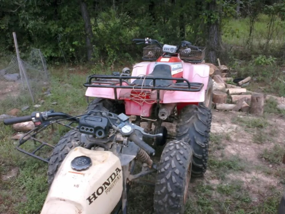 medium resolution of does anyone have a spare known good wiring harness and maybe a starter thanks ps here is some pics of the 1988 fourtrax 300