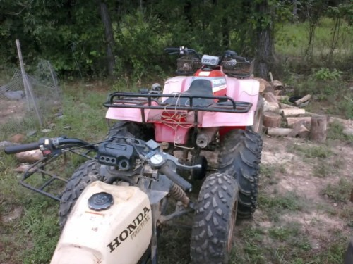 small resolution of does anyone have a spare known good wiring harness and maybe a starter thanks ps here is some pics of the 1988 fourtrax 300