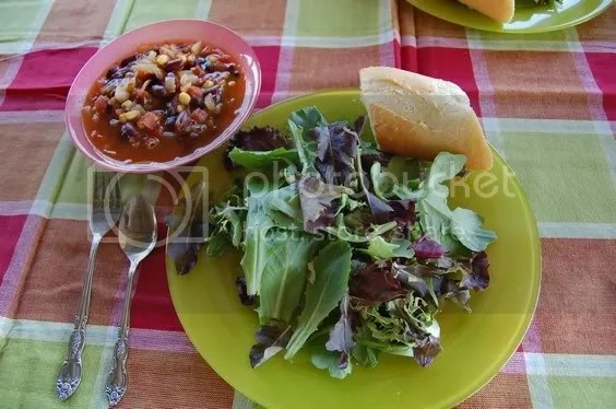 Vegetarian Chili +Salad & Baguette