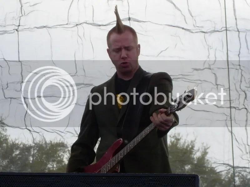 Bass player (nope, no name)