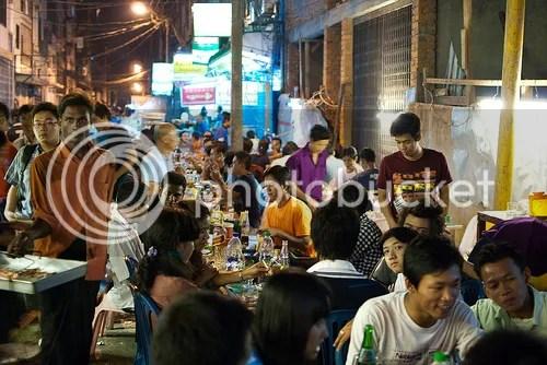 photo china-town-yangon-night_zpsd1d6bad1.jpg
