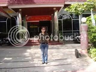 Trước hội Văn nghệ Phú THo
