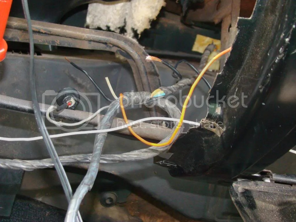 hight resolution of  box we have an orange wire going to the glove box light switch it doesn t have any bulb sockets where the orange wire comes out of the wiring harness