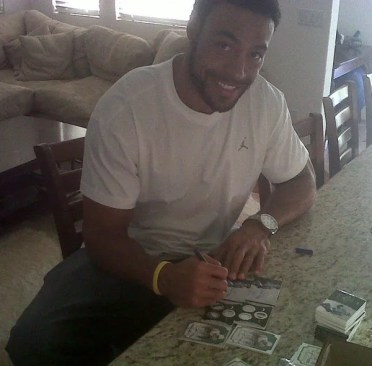 Vincent Jackson Signing Trading Cards Autographs