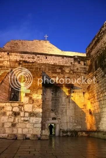 Niedriger Eingang zu Geburtskirche Jesu