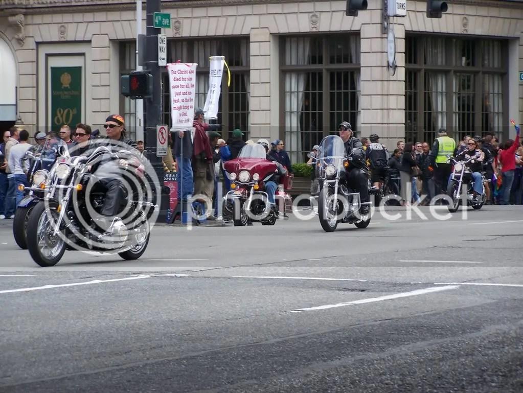 GayPrideSeattle2007039.jpg
