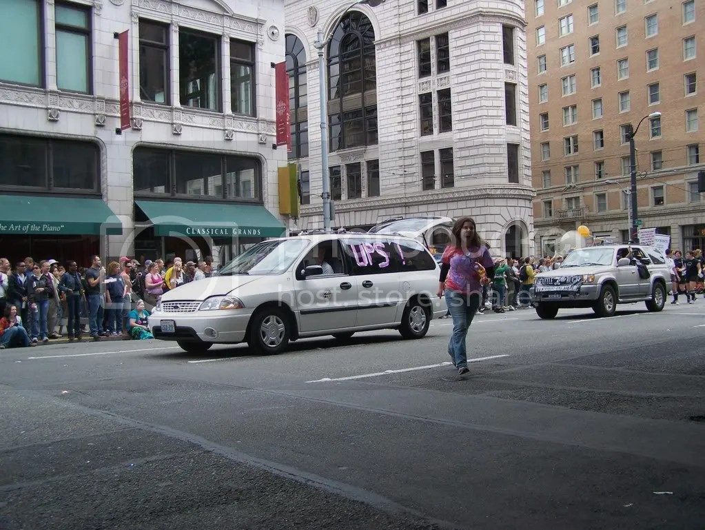 GayPrideSeattle2007210.jpg