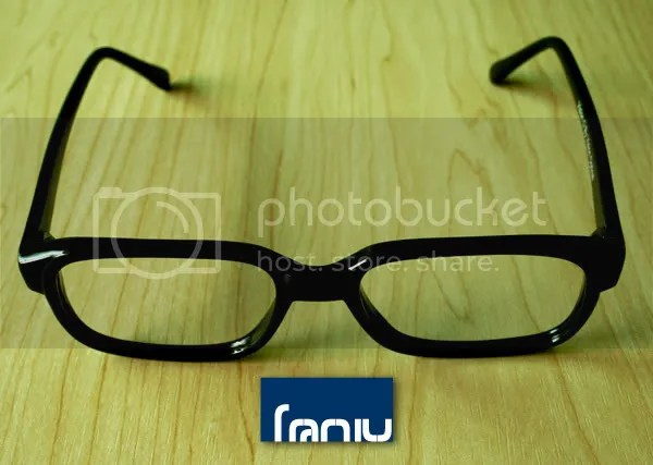Franiu 提供優質時尚眼鏡及隱形眼鏡(歡迎網上訂購): 個性大方型黑膠眼鏡框